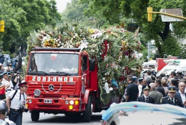 Emotivo adiós a los bomberos