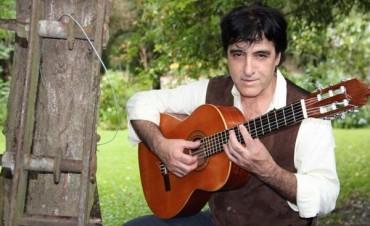 Murió el folclorista Alberto Oviedo