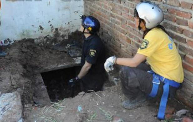Hallan dos túneles en una casa de la banda narco Los Monos