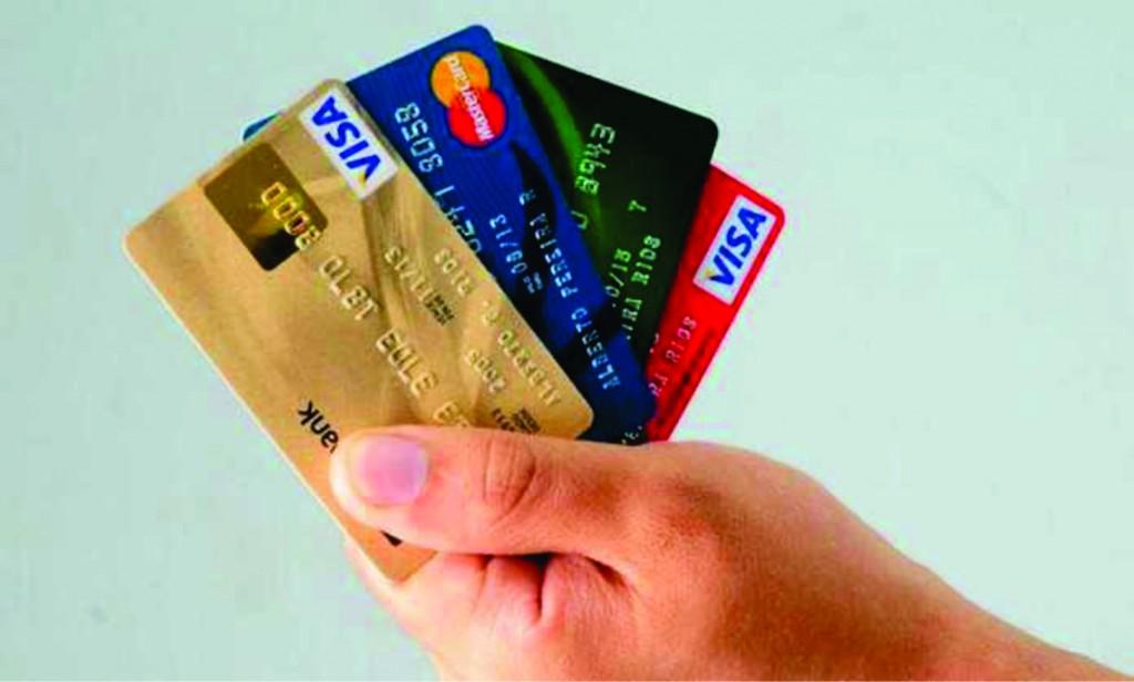 El Banco Central prorrogó los vencimientos de tarjetas de crédito hasta el 13 de abril