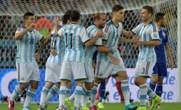 Argentina sufrió ante Bosnia, pero logró un valioso triunfo en su debut en el Mundial