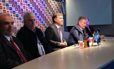 Martino fue presentado como nuevo DT de la Selección