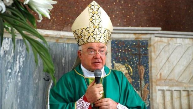 A pedido del papa Francisco, arrestaron en el Vaticano a un ex arzobispo por pedofilia