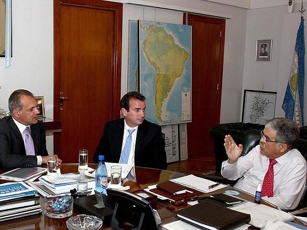 Gobernadores de provincias mineras se reúnen con Julio de Vido