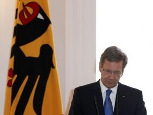 El presidente alemán presentó su renuncia ante las denuncias por corrupción