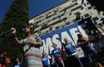 Docentes pidieron la renuncia de la ministra Letizia Mengarelli