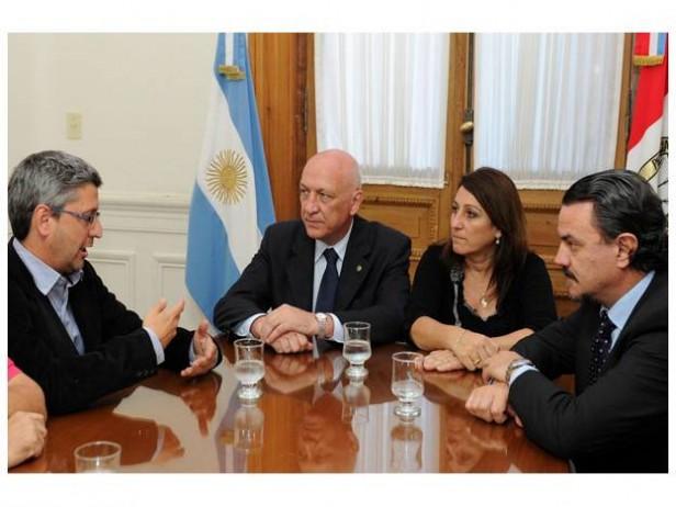 El gobernador se reunió con el periodista de La Capital amenazado, Hernán Lascano