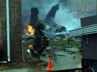 Un F-18 de la Armada de los EEUU se estrelló sobre un barrio de Virginia