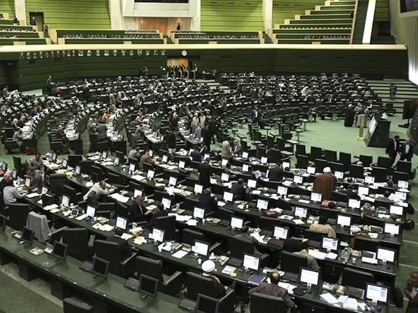 Envían al Parlamento iraní el memorándum con la Argentina por la causa AMIA
