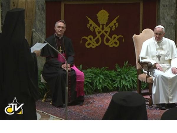 Histórico encuentro entre el Papa y el patriarca de Constantinopla