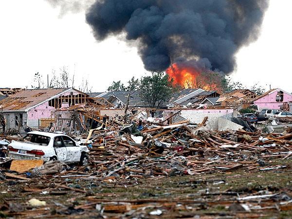 Al menos 51 muertos en Oklahoma por un violento tornado y buscan a 24 niños