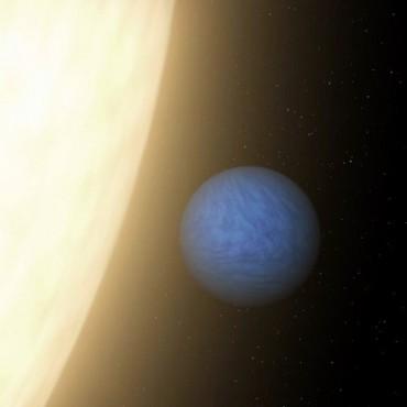 Descubren que un planeta mayor que la Tierra está cubierto de diamantes