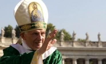 Benedicto XVI se despide de sus fieles: