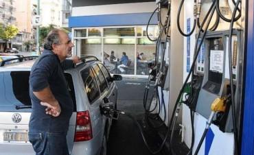 Congelan por seis meses el precio de los combustibles