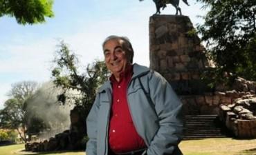 A los 77 años murió el histórico locutor de Cosquín