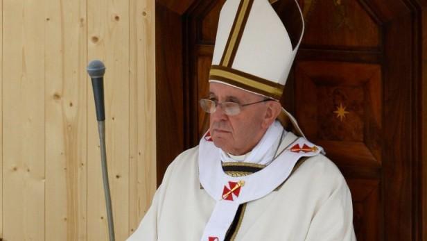 Francisco pide tomar en serio la lucha contra el demonio