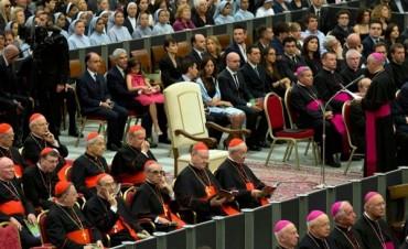 El Papa plantó a la jerarquía vaticana y abrió un sinfín de especulaciones