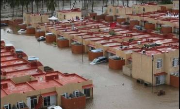 Acapulco bajo agua: más de 50 muertos y 40.000 varados