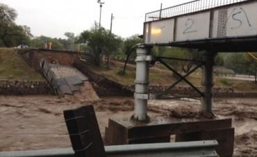 Hay 54 evacuados, un desaparecido y emergencia ambiental en Córdoba
